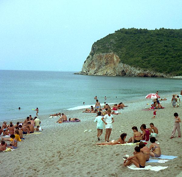 IR83-024--Beach